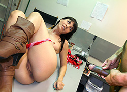 backroomfacials: Cock crazy blowjob in the office