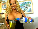 milfsoup: Blowob From the Hot Bartender