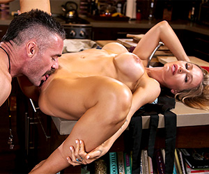 nicole-aniston-fucks-her-son-s-coach