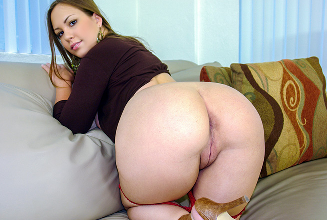 Big Tits And A Fat Juicy Pussy To Fuck
