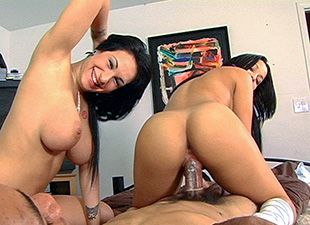 Abella Anderson In A Hot Threesome