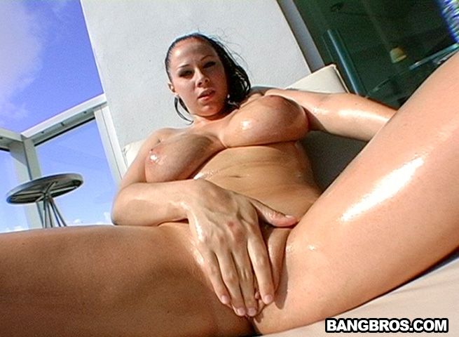 gianna-michaels-nude-self-shots-blow-job