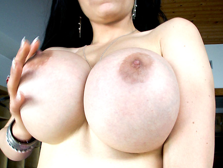 Big Juicy Tits To Cum On!