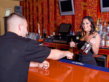 Bartender that squirts