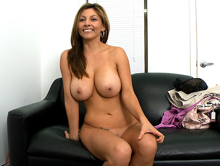 lisa colombian milf