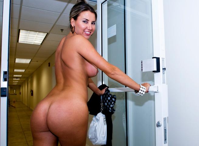 Gigi ass parade gigis entrance into porn