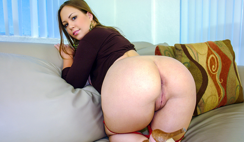 Young Thick Cock Muscle Stud Pounds Blonde Babe With Big Fake Tits